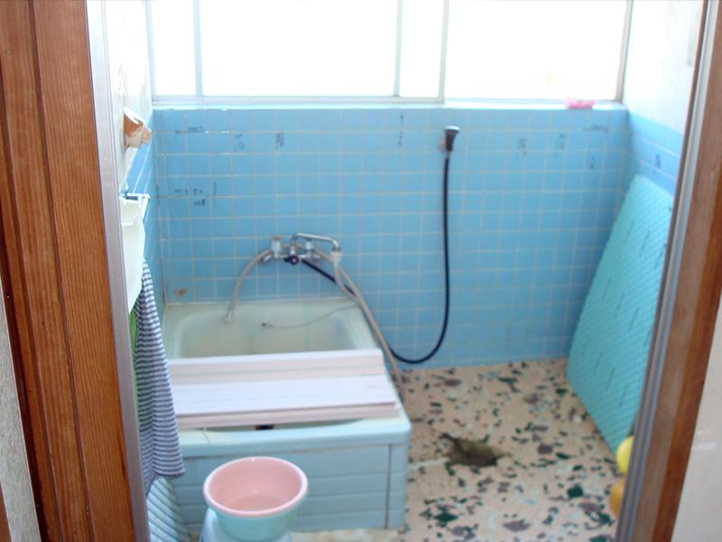 バスルームの施工前