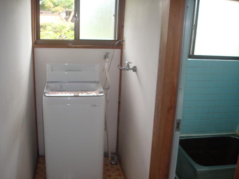 施工前(洗濯機まわり)