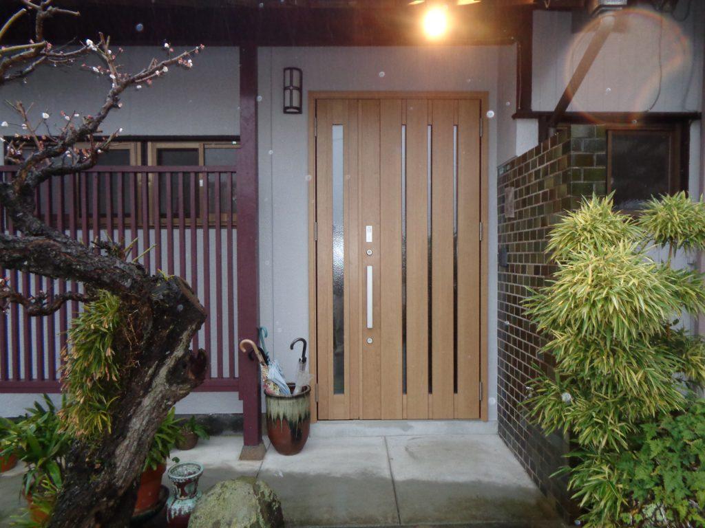 施工後 玄関ドア